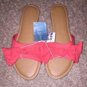 Coral Bow Slides